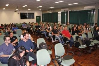 imagem do público presente sentado no auditório