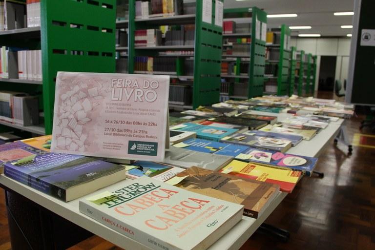 27102017 - Insti - Semana do Diversa Feira do Livro - Ariel Tavares (7).JPG