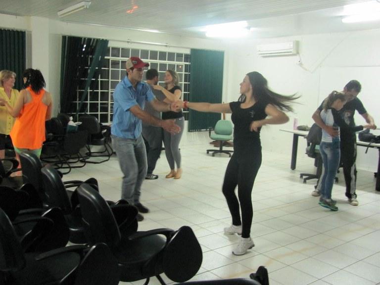 03-12-2013 - Dança.jpg