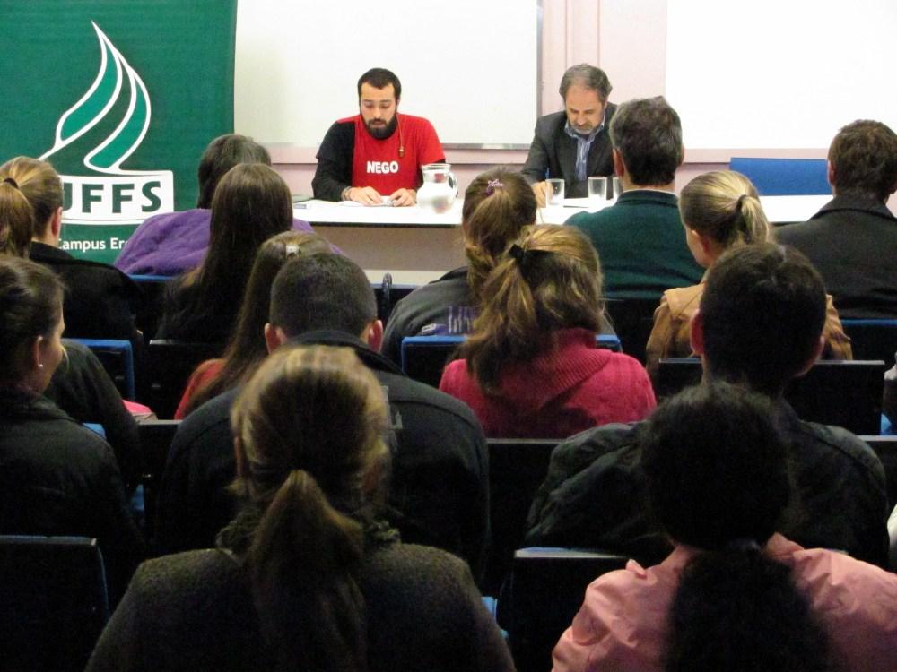 14-05-2013 - Debate.jpg